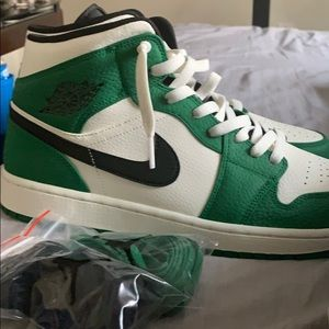 Jordan 1's mid pine green